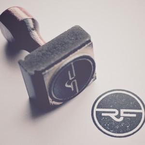 RonaldFerree - 设计师个人标志设计