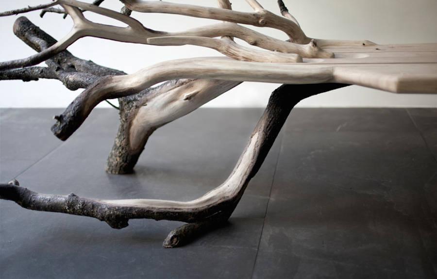 法国设计师Benjamin Graindorge用倒下的树设计出的长凳  Fallen Tree Bench